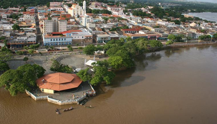 Mirador de Angostura sobre el río Orinoco