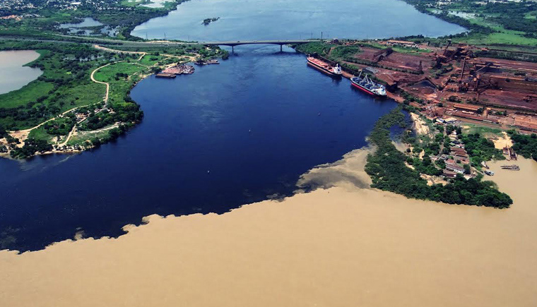 Vista aérea de los ríos Orinoco y Caroní